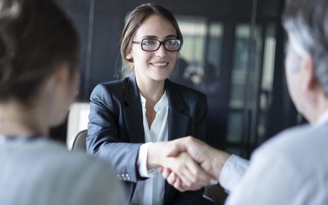 2 conseils pour attirer des nouveaux clients auprès des petits cabinets d'avocats